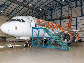 An Easyjet A319 in Caerdav's hangar.