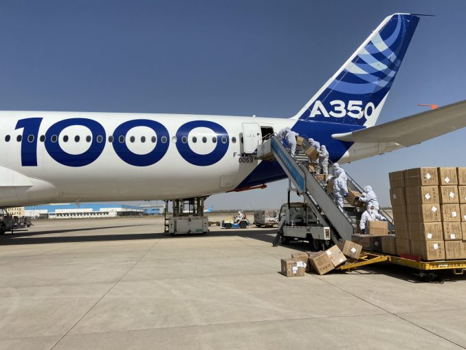 A350-1000 cargo loading in Tianjin