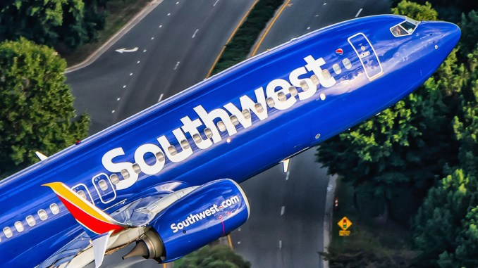 Ted Orris' final Southwest 737 take-off (Southwest Airlines/Ryan Patterson/Twitter)