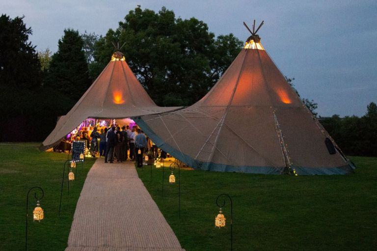 Tipi weddings will guarantee a good party!
