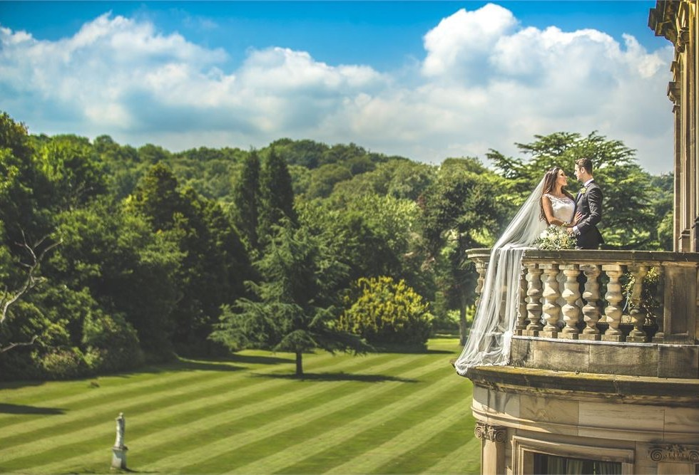 With a view like this on the day of your wedding, you'll want to stay there forever.