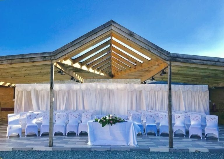 The beautiful outdoor setting of this Hilton wedding venue!