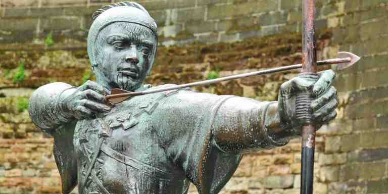 You can see the famous Robin Hood statue in the grounds of the castle.