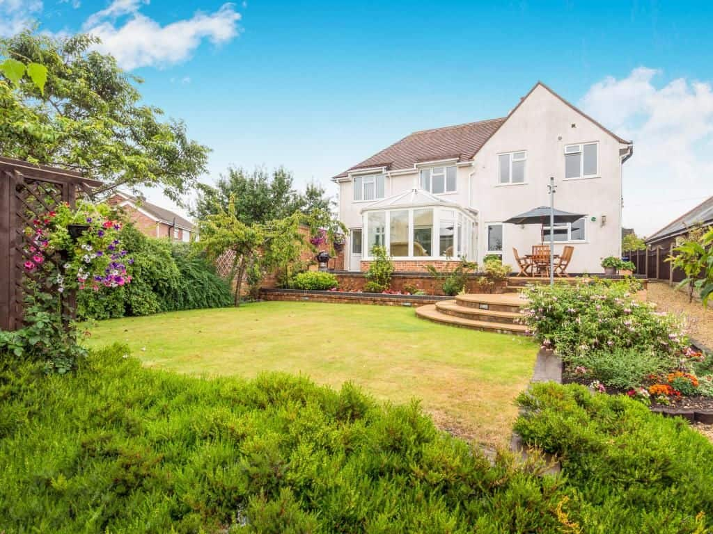 Field House  Burton on Trent  UK Care Guide