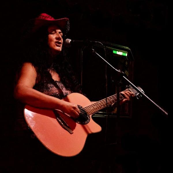 Dina Andrews 3