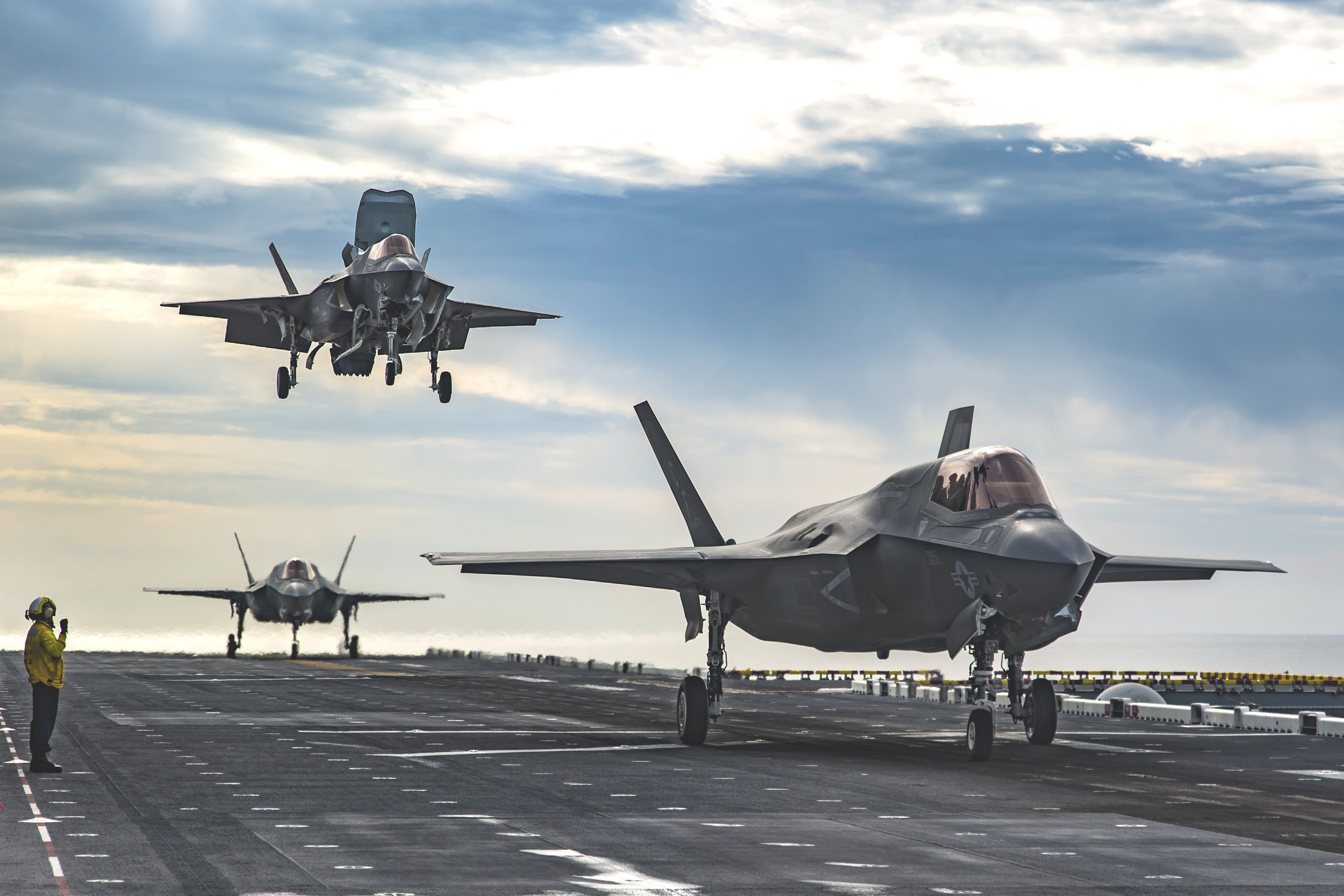 Last minute training for pilots ahead F-35 operations on HMS Queen ...