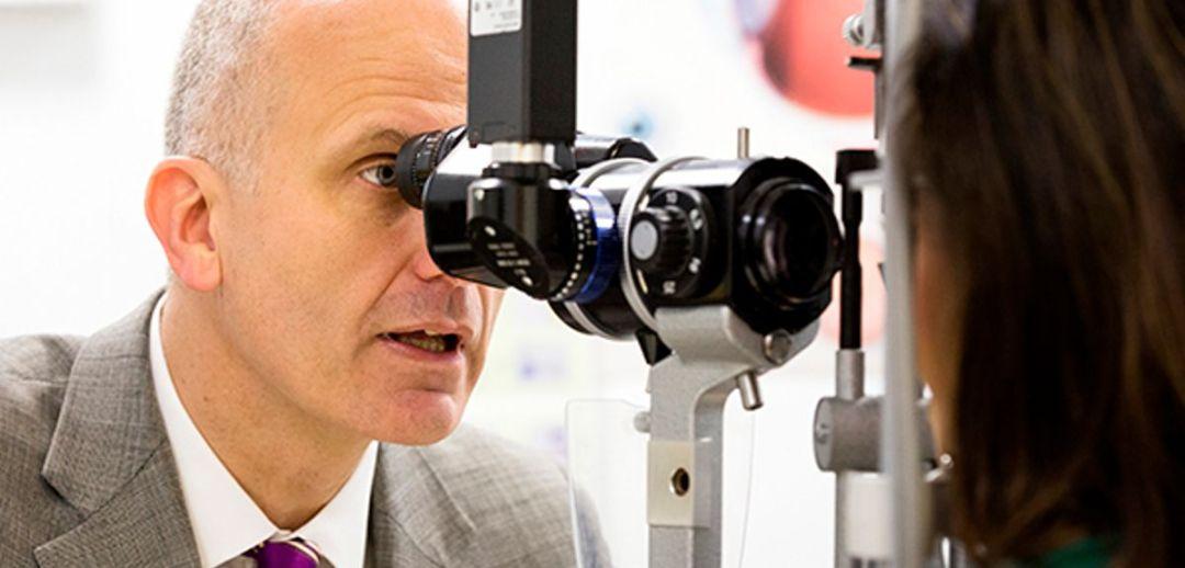 Prof Robert MacLaren