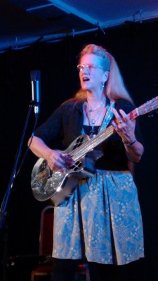 2015-09-02 Del Rey with Resonator Guitar IMG_20150902_204538385 blog