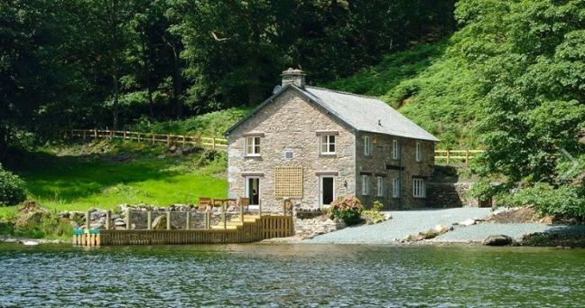 From pet friendly cottages, beach and coastal cottages to farm cottages there is something for everyone.