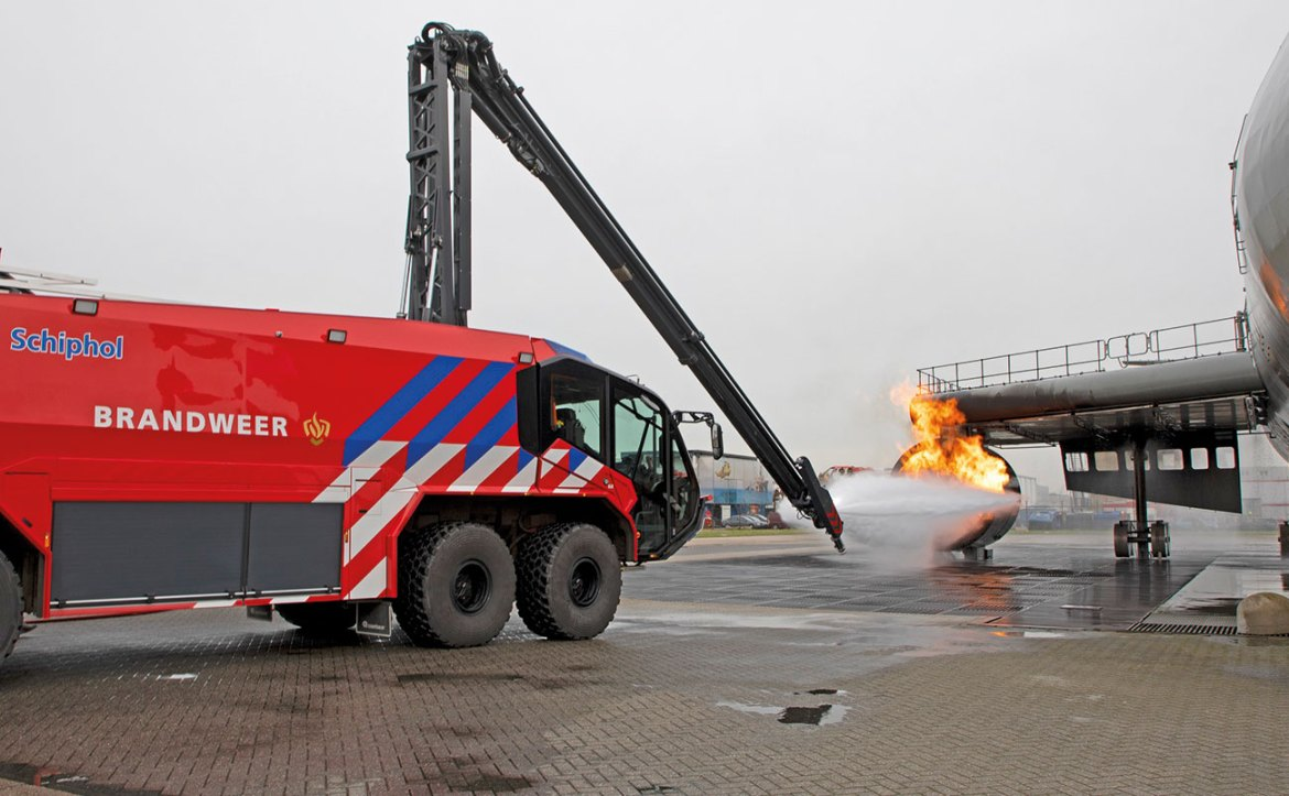 'There are huge stakes at the airport if one of our trucks doesn't perform well – it's literally a matter of life and death.' – Arjan Bruinstroop, Operational Manager of the Fire Department at Schiphol Airport.