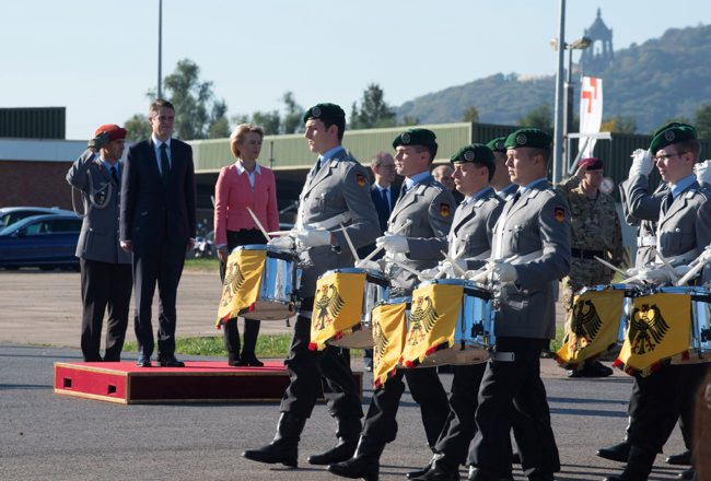 UK Troops To Stay In Germany Beyond 2020