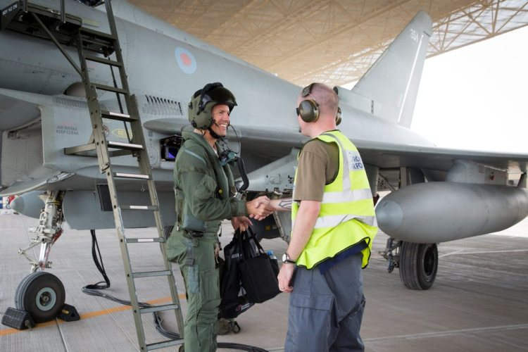 Footage of RAF Typhoons in Qatar, Exercise Epic Skies 2