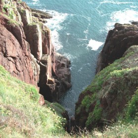 Deep gully - cliff path