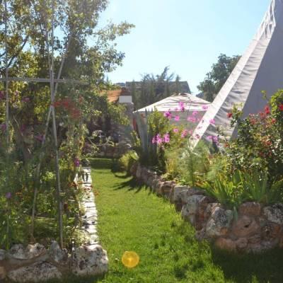 tipi-en-yurt-mooi-in-jardin