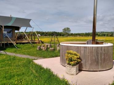 Safari-tents-at-Middle-Stone-Farm