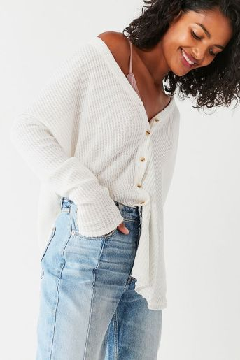 You need these cute casual outfits in your closet immediately!