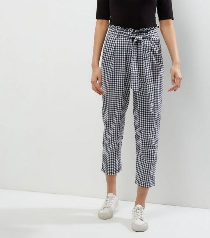 Check out these black and white gingham trousers!