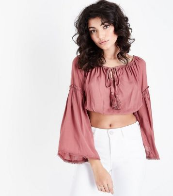 Check out these chic and casual crop tops!
