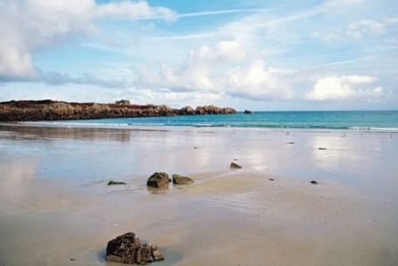 Here's a list of things to do in Guernsey on a sunny day!