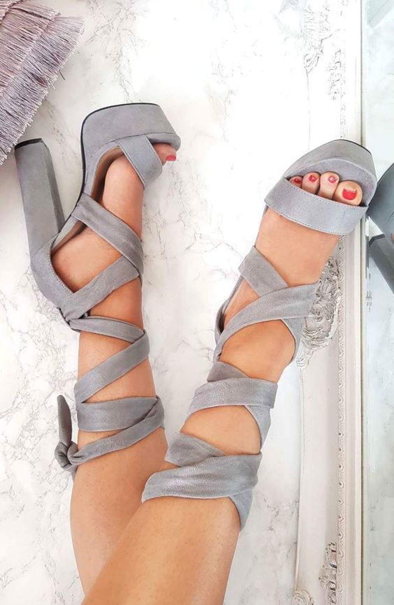 find out how to walk in high heels without experiencing pain!