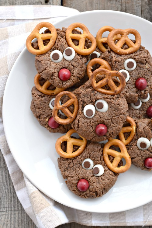 4 Vegan Christmas Cookies To Try This Holiday Season (vegan christmas cookies)