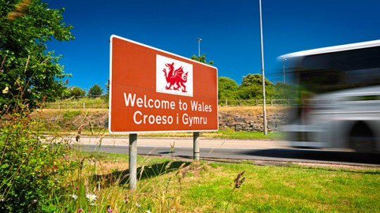 10 Reasons I Wish I Grew Up Literally Anywhere BUT North Wales