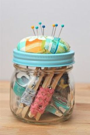 40 Ridiculously Easy DIY Christmas Gifts