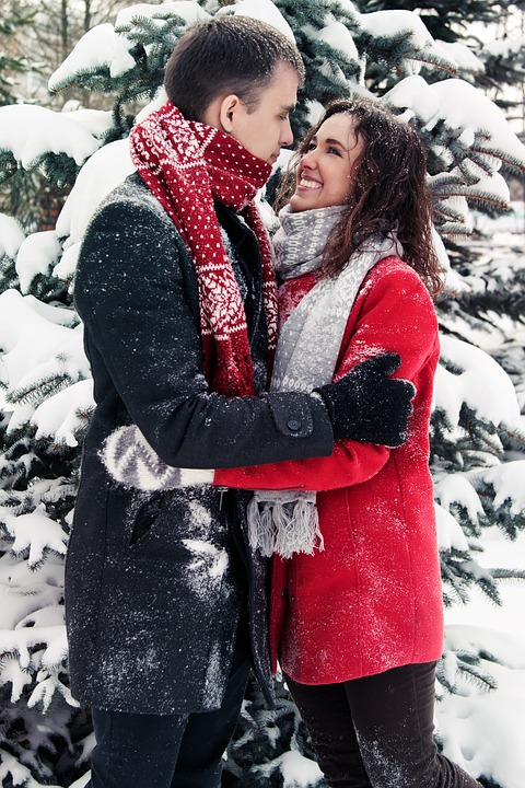 8 First Date Ideas For Winter