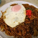 高山市での食事 ~飛騨牛カレー、肉玉焼きそば、朴葉味噌(ほおばみそ)~