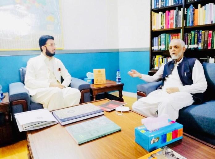 sardar tahir tabassam talking with sahibzada ahmed sultan ali about religious dialogue