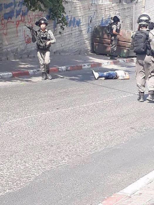 Фотография палестинца, убитого израильскими военными. «Видно, что возле него нет никакого оружия».