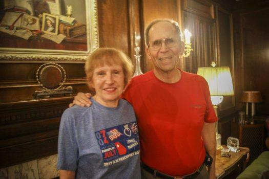 Полковник Дэниел Гилнер с женой Селией Гилнер. Фото: Давид Кравчик