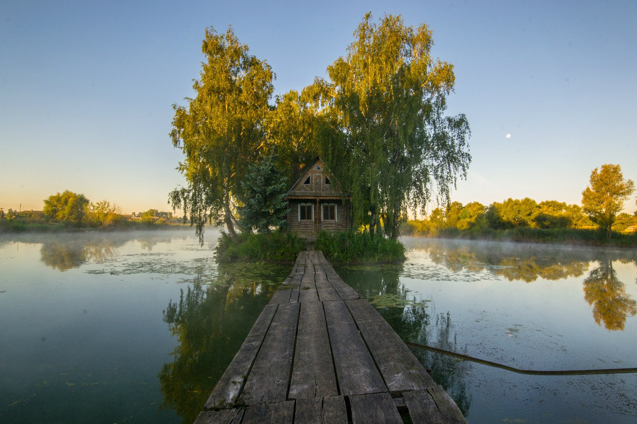 Fairy Tale House In The Middle Of The Lake Near Kyiv