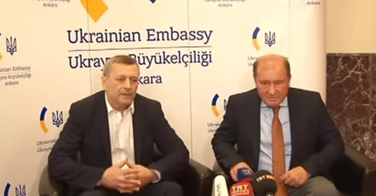 В Мининформполитики назвали точное время прилета Чийгоза и Умерова в Киев ...