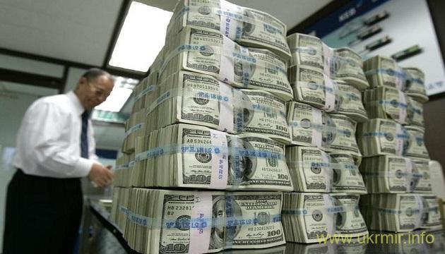 Нефть обваливает рубль к курсу доллара с огромной скоростью