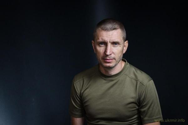 Волонтер Олег Котенко