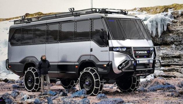 Українська компанія створила автобус-позашляховик