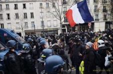 Во Франции поставлен «неуд» Макрону, как главе государства