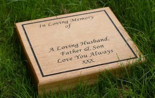 wooden-lawn-memorial