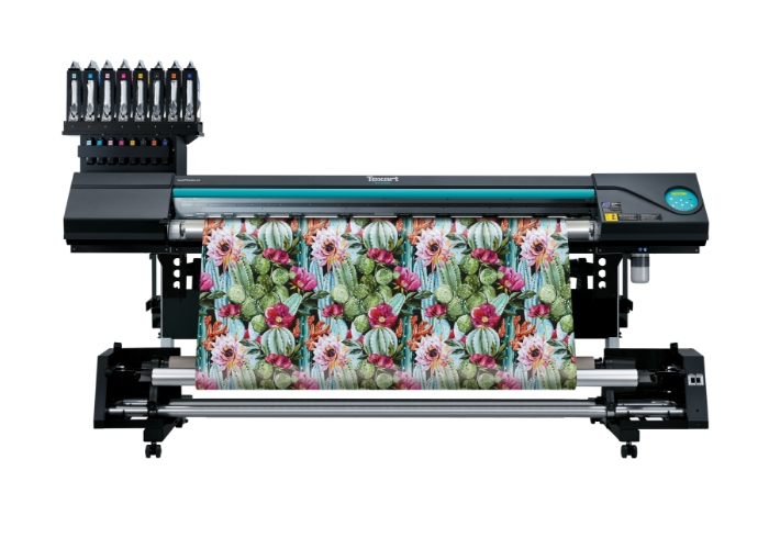 Roland takes business-boosting tech and knowledge to Printwear& Promotion LIVE! 2019