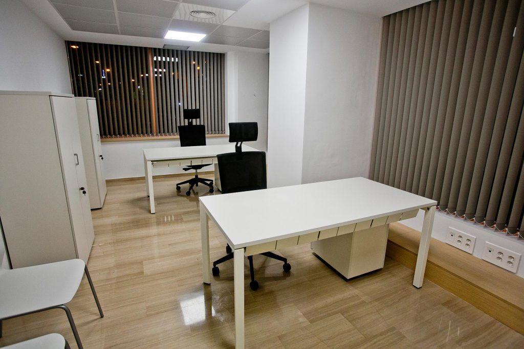 Centro de negocios alicante elegant unas completas para for Oficinas seur valencia