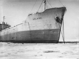 Madalikule sõitnud laev Volare Lõpe lahes.
