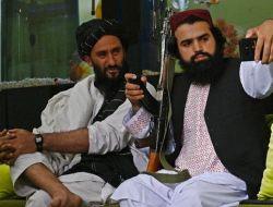 Aturan Terbaru Taliban: Selfie Juga Dilarang Keras