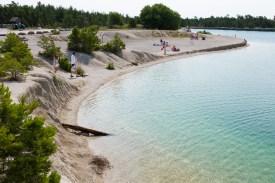 Badplats (vattenfyllt gammalt kalkbrott) i Bästeträsk