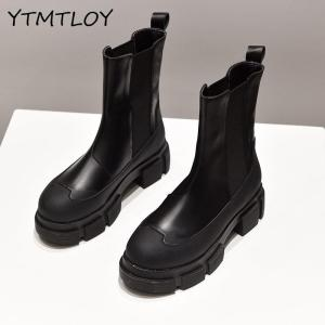 Soft Patent Leather Platform Boots Women Round Toe Boots Women Solid Black Designer Ankle Women's Boots Botines Rojos Mujer