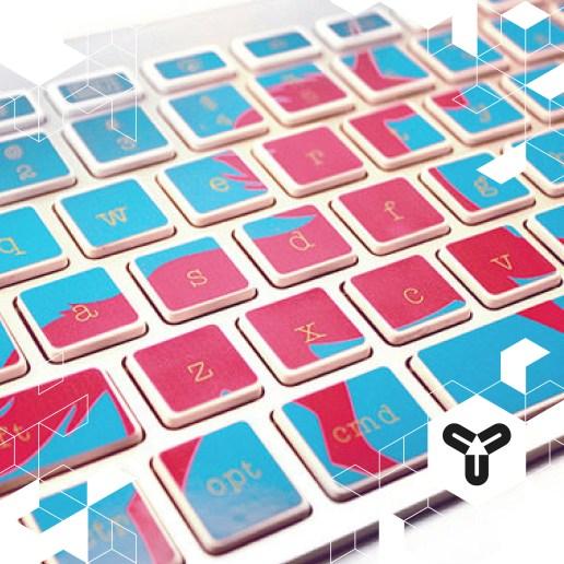 Bringt Farbe in euer Arbeitsleben! Zum Beispiel mit diesen schicken Keyboard-Sticker! Zu Kaufen bei Etsy: https://www.etsy.com/shop/kidecals Da kann uns der graue Herbst gar nichts an!