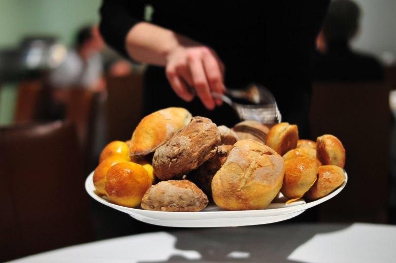 Bread Service, Veritas