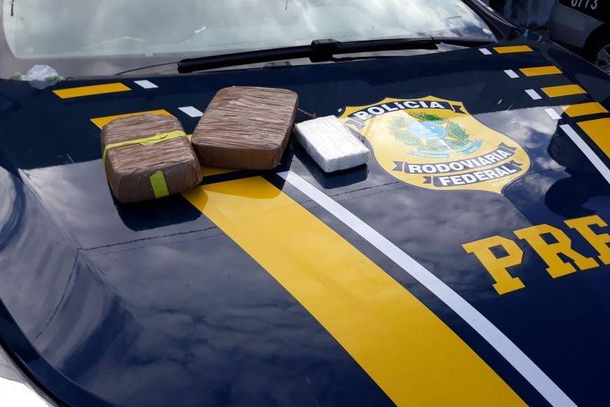 PRF prende dupla que transportava drogas de Parnamirim para Santa Rita ao tentar passar por barreira sanitária