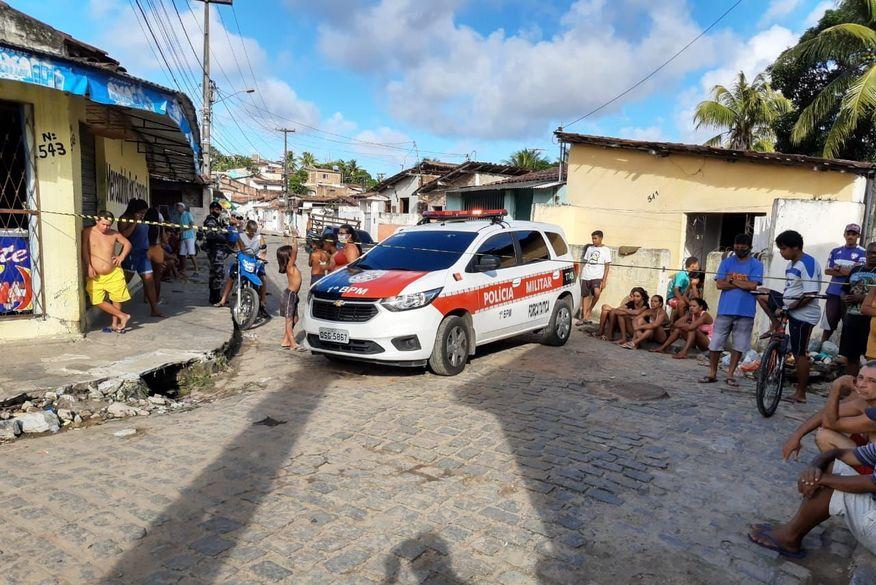 Jovens são assassinados a tiros em comunidade de João Pessoa