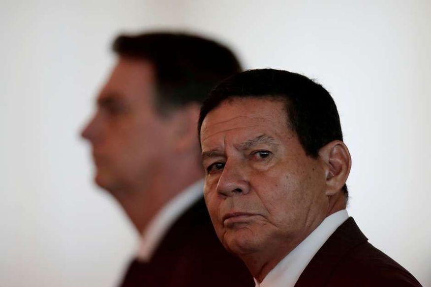 TSE julga nesta terça-feira ações que pedem cassação de Bolsonaro e Mourão